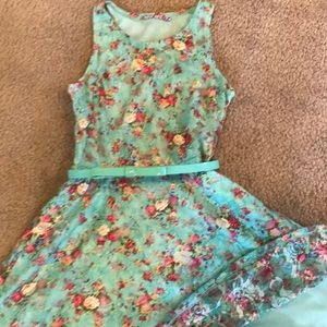 Other - Girls dress with belt